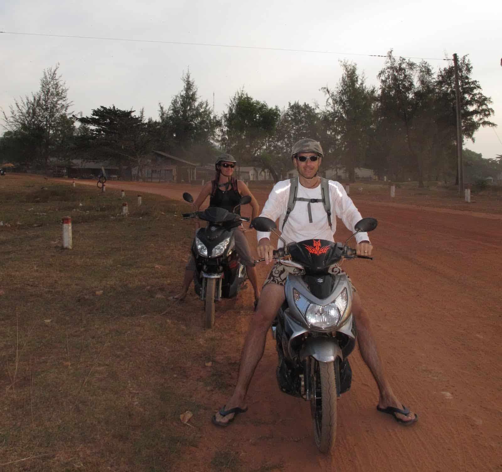 Jenny-and-brett-phu-quoc-motorbike-rental-trip