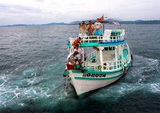 Thuê tàu câu cá tại Phú Quốc
