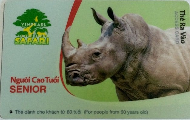 ve vinpearl safari phu quoc nguoi cao tuoi