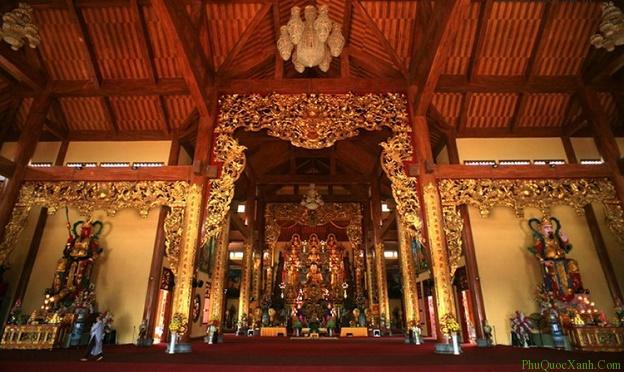 Thăm chùa Hộ Quốc khi du lịch Phú Quốc