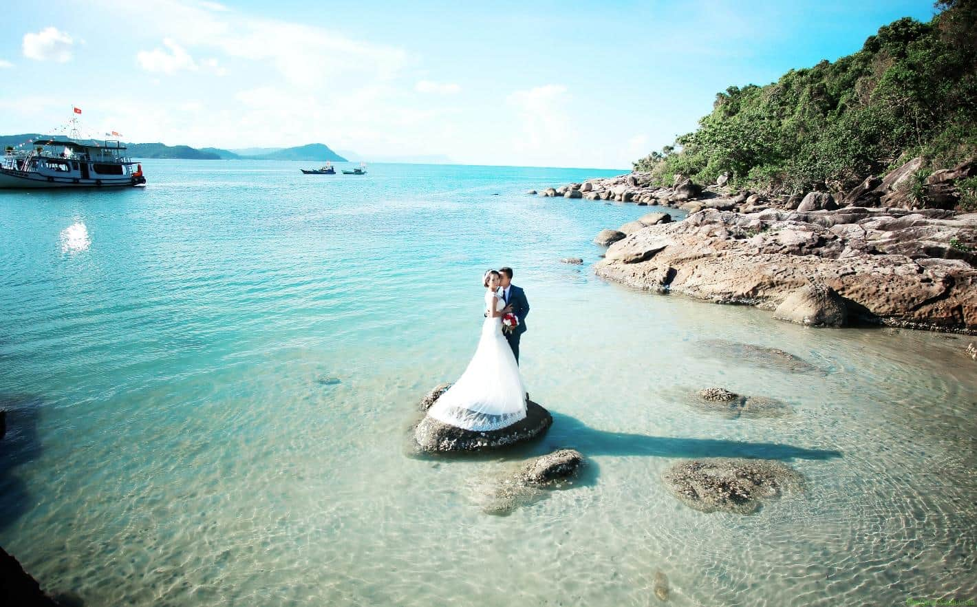 Kết quả hình ảnh cho ảnh cưới biển phú quốc