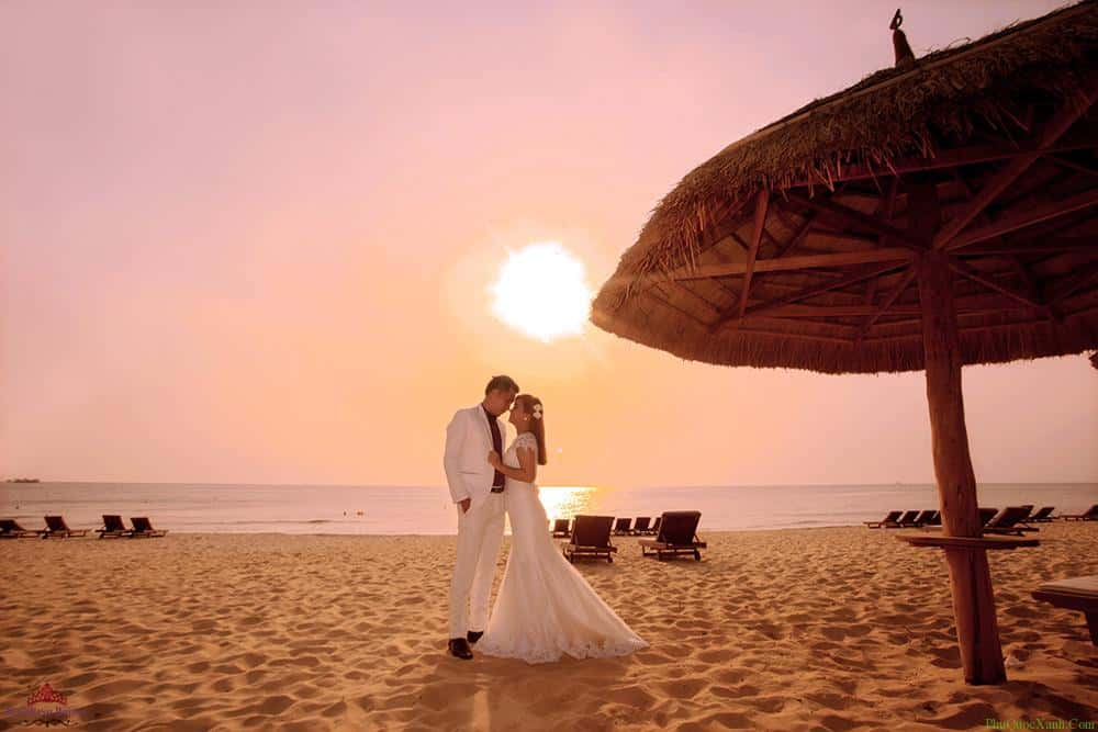 chup hình cưới bãi biển Phú Quốc