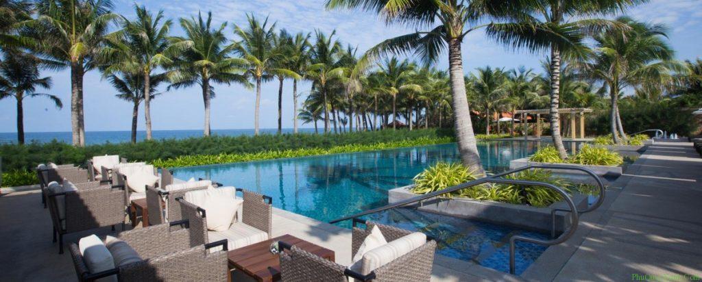 salinda-resort-phuquoc-swimming-pool-e1450436592632
