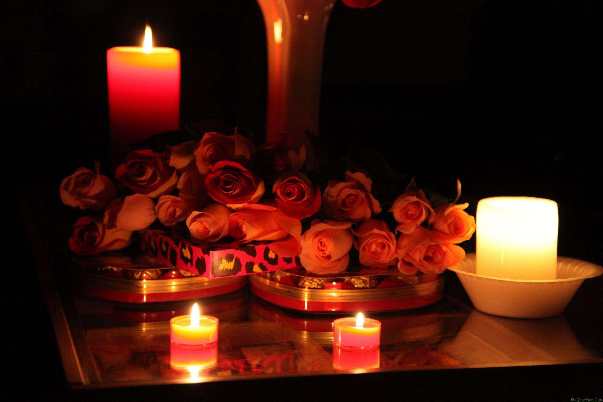 candles-with-flower