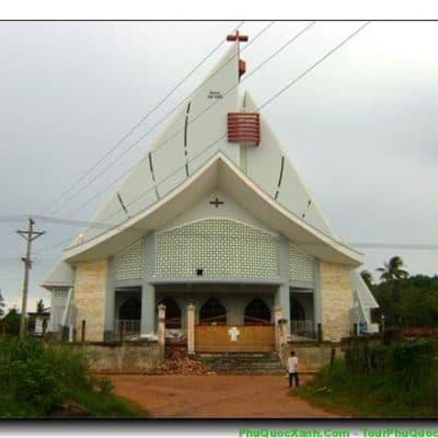 Đến Phú Quốc dịp Tết  nhớ ghé thăm nhà thờ Hưng Văn